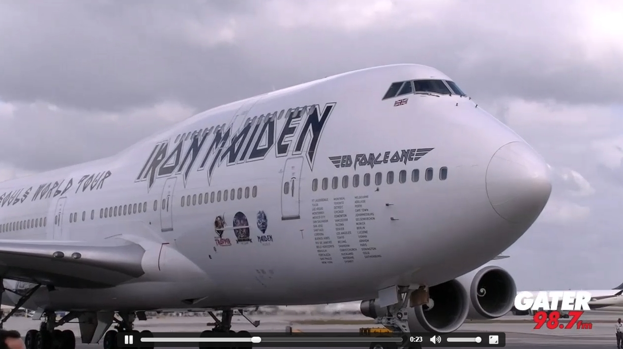 watch iron maiden arrive in u s with dickinson piloting 747 rocknuts. Black Bedroom Furniture Sets. Home Design Ideas